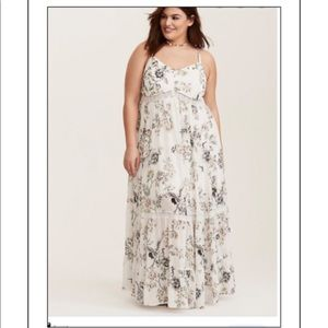 TORRID COLLECTION WHITE FLORAL MAXI DRESS